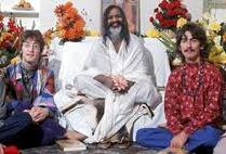 Beatles con Maharishi